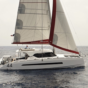 Nautique services La Rochelle - Vente de bateau à La Rochelle - Aventura Catamaran 44