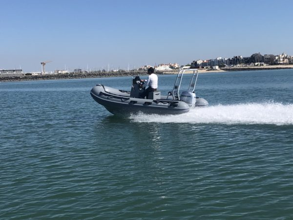 Nautique services La Rochelle - Vente de bateau à La Rochelle - Semi rigide 3D Tender xpro 490