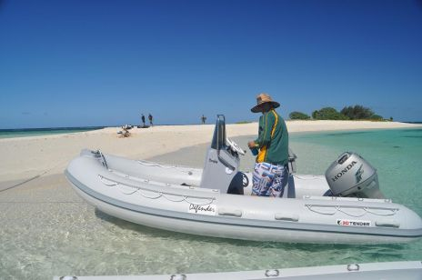 Nautique services La Rochelle - Vente de bateau à La Rochelle - Semi rigide 3D Tender xpro 445