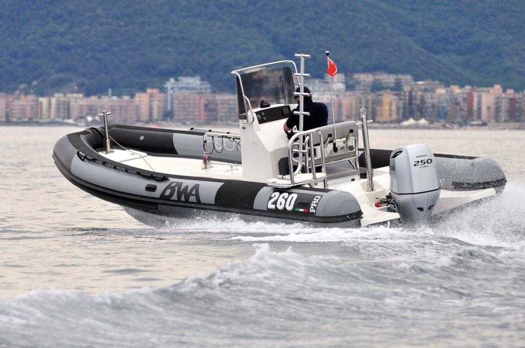 Nautique services La Rochelle - Vente de bateau à La Rochelle - BWA Professional Superpro 260